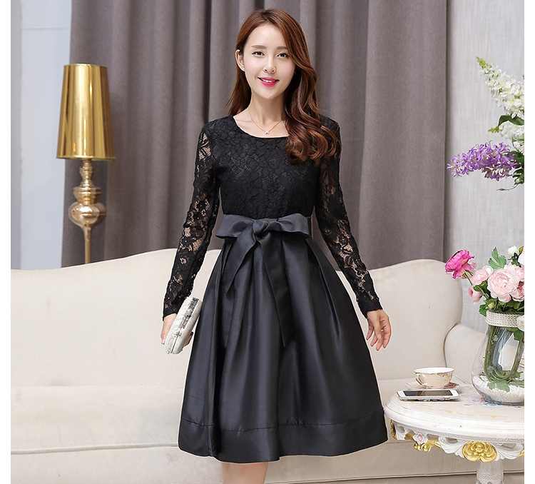 ชุดเดรสไปงาน ชุดออกงาน สีดำ ผ้าลูกไม้ผสมผ้าไหมเกาหลี แขนยาว ลุคเรียบๆ สวยหรูดูดี