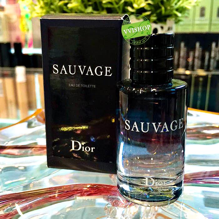 Dior Sauvage Eau de Toilette 10 ml. กลิ่นหอมสดชื่น เย็นๆ ไม่เหม็น ไม่ฉุน กลิ่นนี้ ผู้หญิงก็ใช้ได้คะ