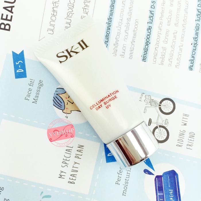 SK-II Cellumination Day Surge UV SPF30 PA+++ 8.4g กันแดดเพิ่มความชุ่มชื้นให้กับผิว ปรับสีผิวให้ดูสม่ำเสมอ ปกป้องผิวจากมลภาวะ