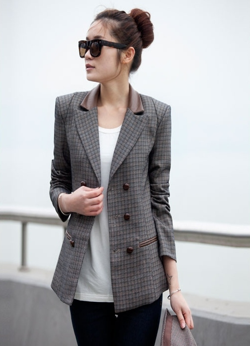 (สินค้าหมด) เสื้อสูทแฟชั่น เสื้อสูทผู้หญิง สีเทา ลายสก็อต แต่งหนังที่คอปกและข้อศอก