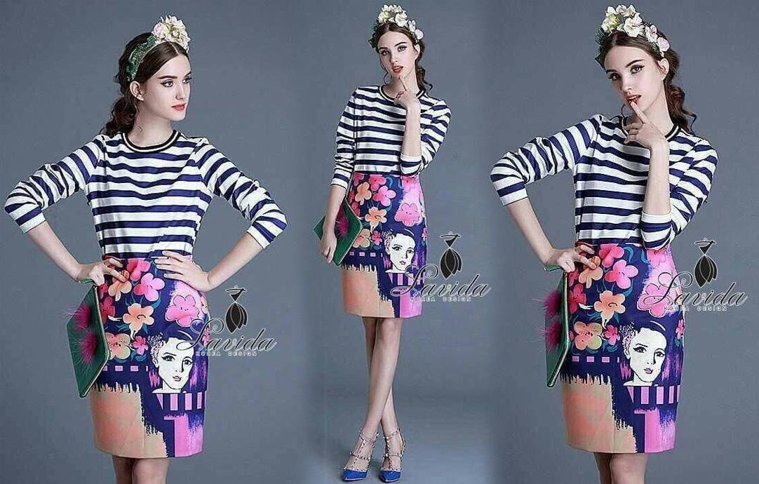 กระโปรง ดีไซน์เสื้อลายขวางโทนขาวน้ำเงิน มาพร้อมกระโปรงทรงสอบลายดอกไม้และหน้าผู้หญิง บุซับในอย่างดี ซิปข้าง สีสันสดใสงานผ้า Polyester+silk100% ใส่เข้าเซตก็สวยใสสไตล์เกาหลี