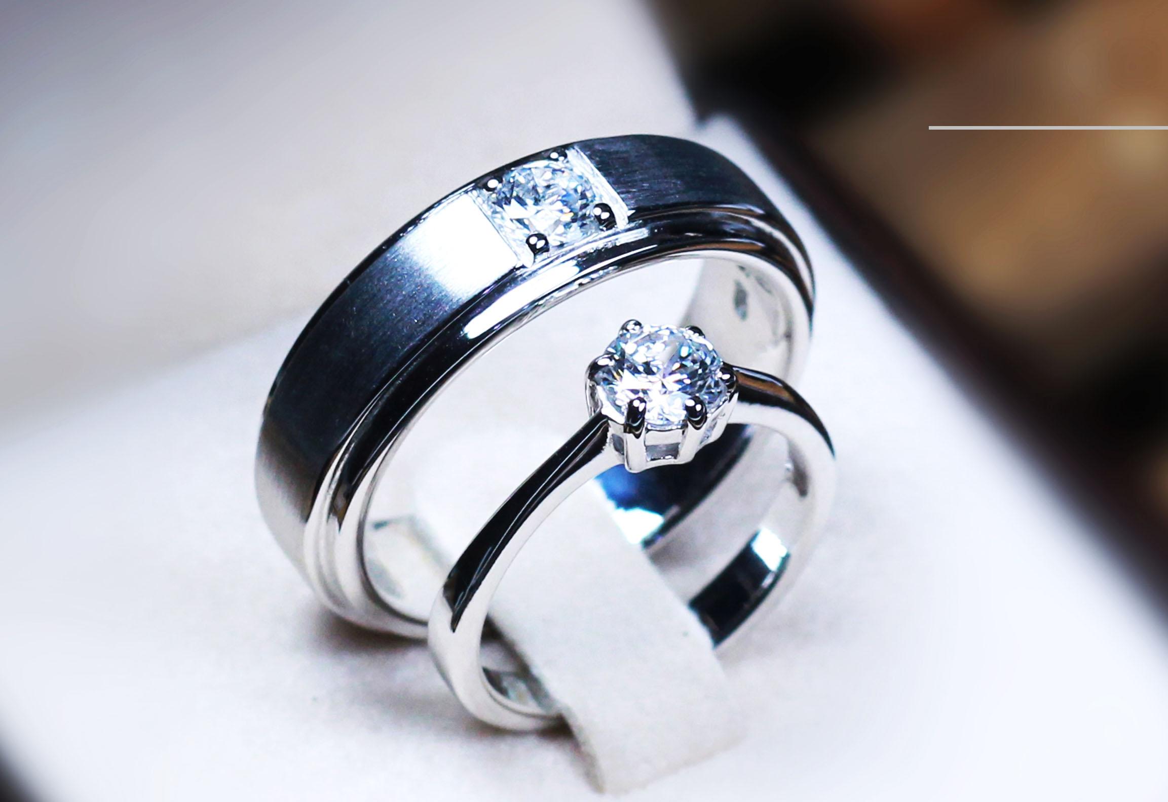 แหวนคู่รักเงินแท้ เพชรสังเคราะห์ ชุบทองคำขาว รุ่น LV14181505 TW boy & 0.50 carat