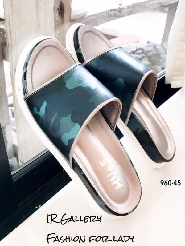 รองเท้าแตะแฟชั่นสีเงิน หนังนิ่ม พิมล์ลายพราง (สีเงิน )