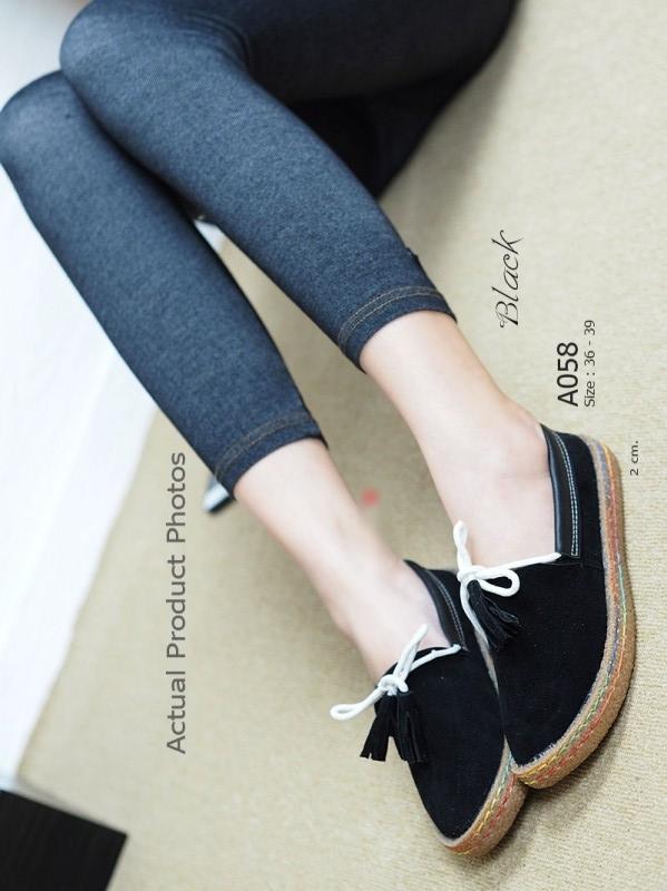 รองเท้าคัทชูส้นแบน หัวกลม สไตล์ลำลอง (สีดำ )