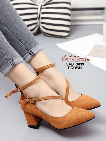 รองเท้าคัทชูส้นสูงรัดข้อสีน้ำตาล หัวแหลม ผ้าสักหราด (สีน้ำตาล )
