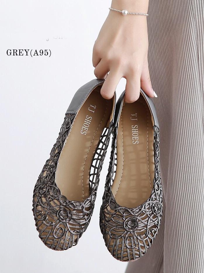 รองเท้าคัทชูส้นแบน ลายดอกไม้สาน (สีเทา)