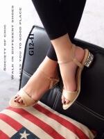รองเท้าส้นเตี้ยรัดส้น ตัดขอบทอง (สีครีม )