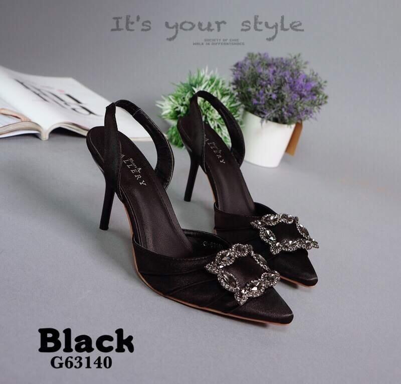 รองเท้าส้นเข็มรัดส้นสีดำ หัวแหลม สไตล์Manolo Blahnik (สีดำ )