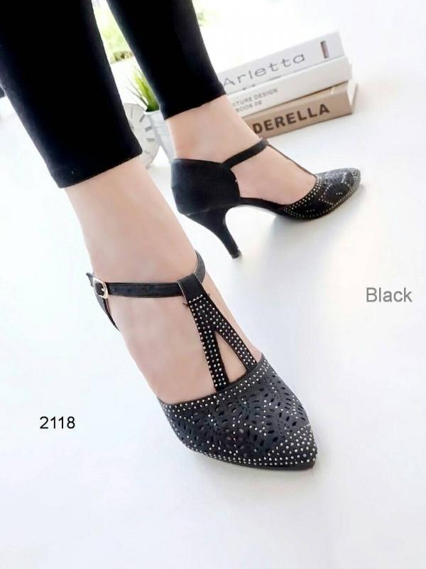 รองเท้าส้นสูงรัดส้น หัวแหลม ฉลุลาย (สีดำ)