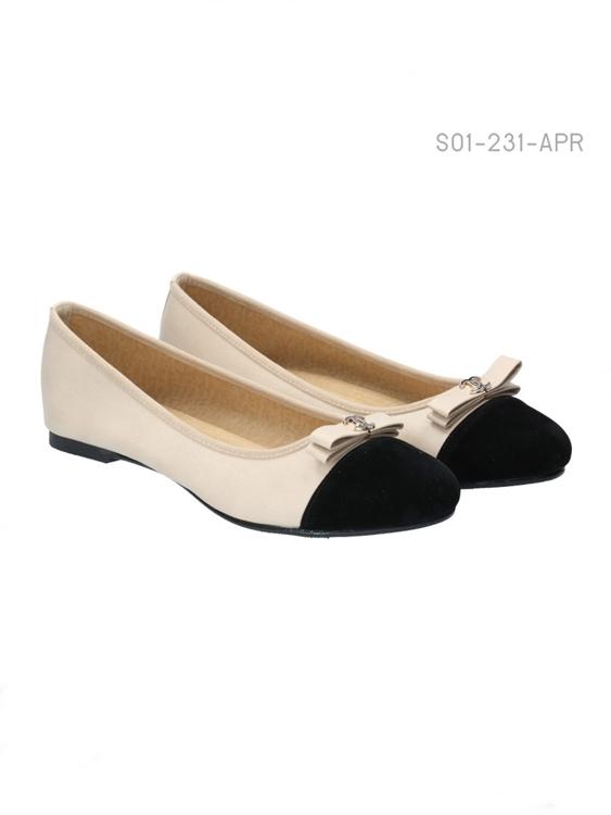 รองเท้าคัทชู หัวมน (สีแอปริคอล)