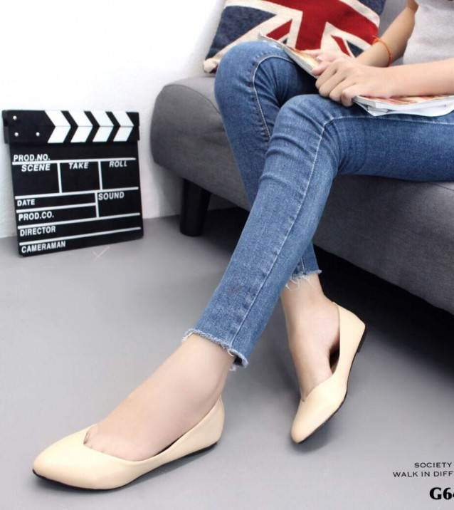 รองเท้าคัทชูส้นแบนสีครีม หนังนิ่ม สไตล์แบรนด์ ZARA (สีครีม )