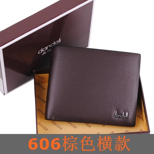 พร้อมส่ง กระเป๋าสตางค์ผู้ชาย นักธุรกิจ แฟชั่นเกาหลี ยี่ห้อ dandeli รหัส DA-606-S สีน้ำตาล ใบสั้นทรงนอน *แถมกล่อง
