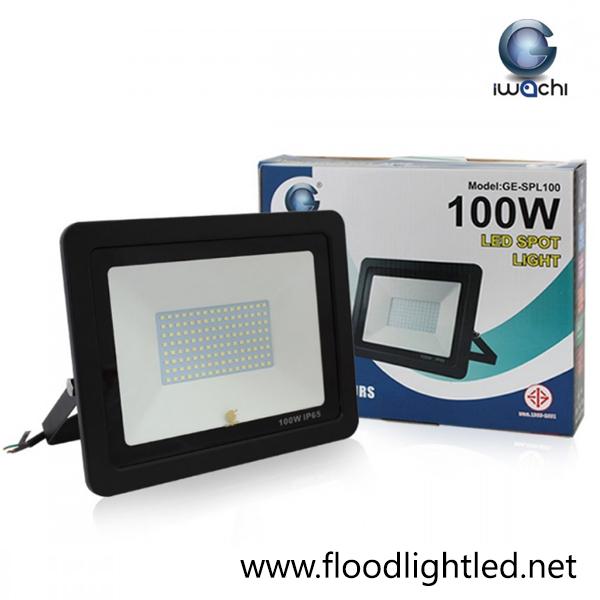สปอร์ตไลท์ LED 100w รุ่นบาง ยี่ห้อ Iwachi (แสงส้ม)