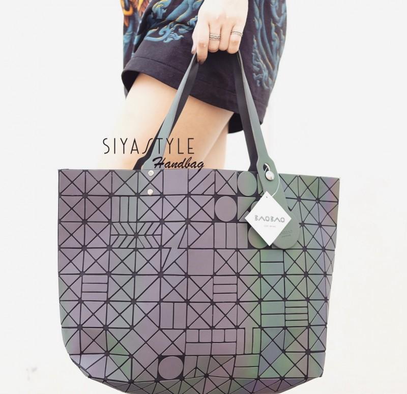 กระเป๋าสะพายแฟชั่น กระเป๋าสะพายข้างผู้หญิง Bao Bao 7*8 Logo Thunder Rainbow [สีรุ้ง]