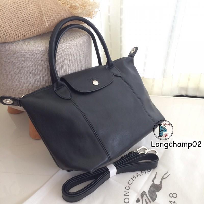 กระเป๋าสะพายแฟชั่น กระเป๋าสะพายข้างผู้หญิง แบบชนช้อป Longchamp Le Pliage Cuir size M [สีดำ ]