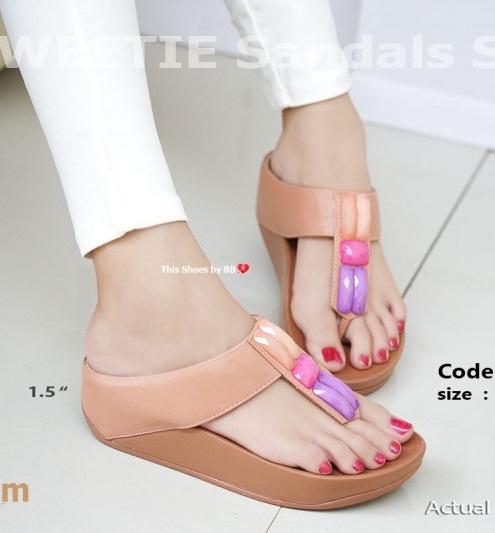 พร้อมส่ง รองเท้าแตะเพื่อสุขภาพสีครีม SWEETIE Sandals Style แฟชั่นเกาหลี [สีครีม ]