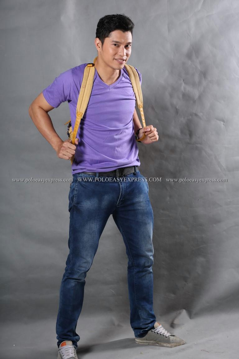 เสื้อยืด สีม่วงอ่อน คอวี แขนสั้น Size XL