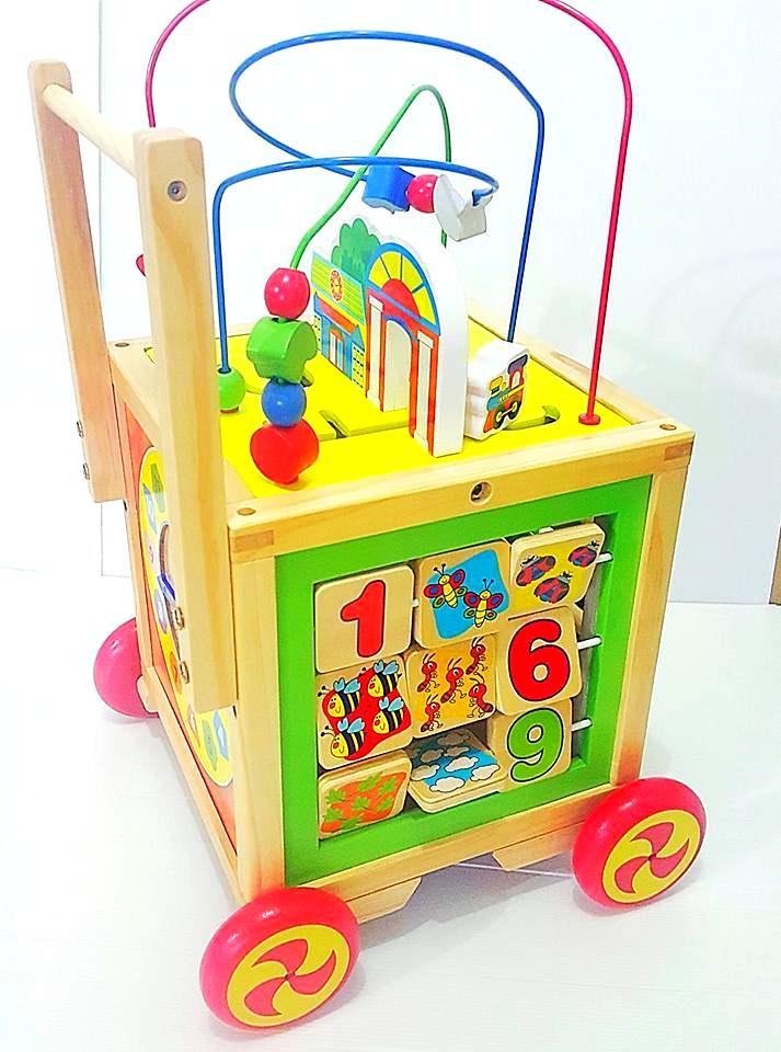 รถผลักเดินเเละกล่องกิจกรรมไม้5ด้าน (เหมือนงาน busy zoo เลยคะ ) เป็นผลักเดินไม้ได้ด้วย คุ้มสุดๆ