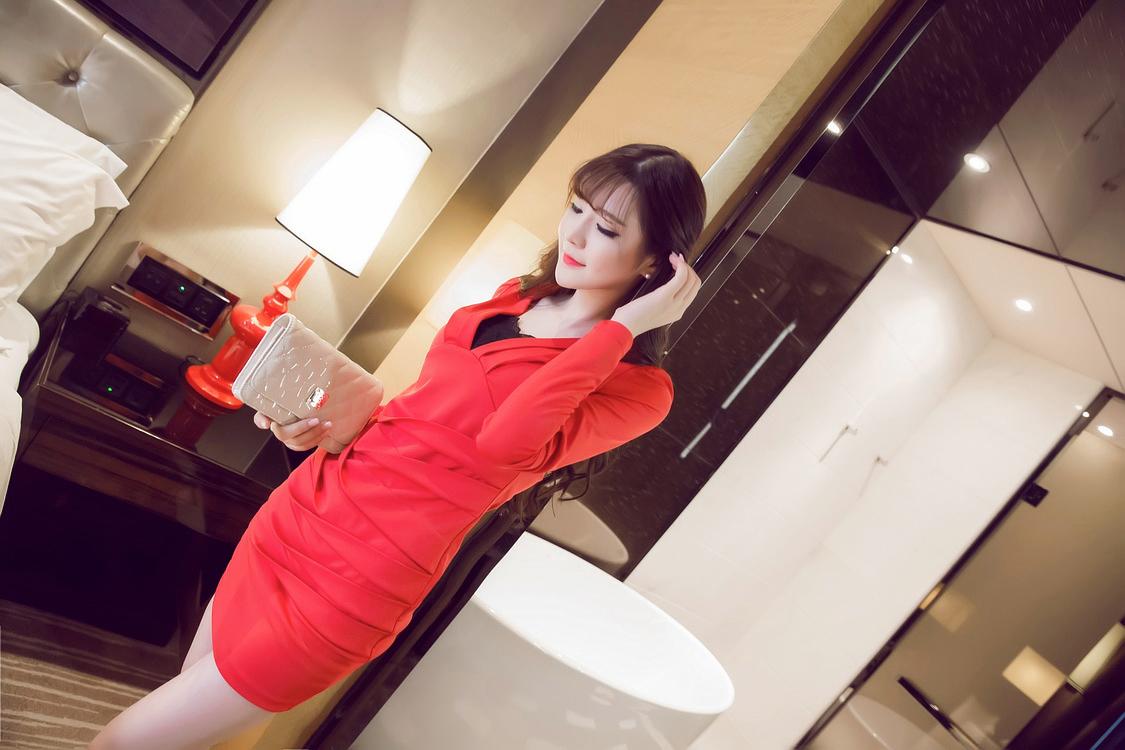 ชุดเดรสแฟชั่นเกาหลีสีแดงเข้ารูป