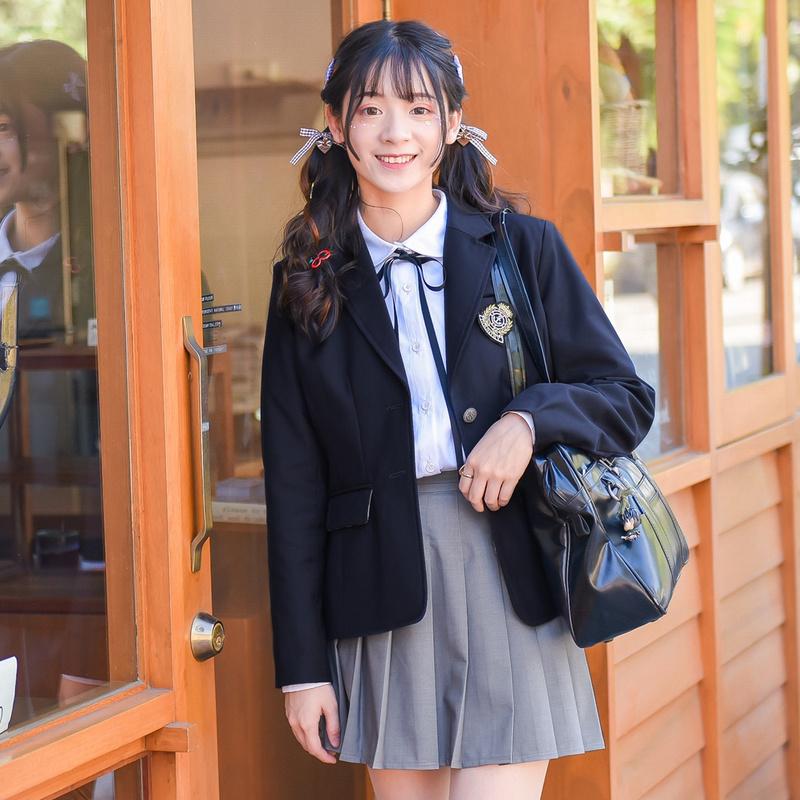 Pre-Order เสื้อนอกสไตล์ชุดนักเรียนสีกรมท่า ปักลายสัญลักษณ์