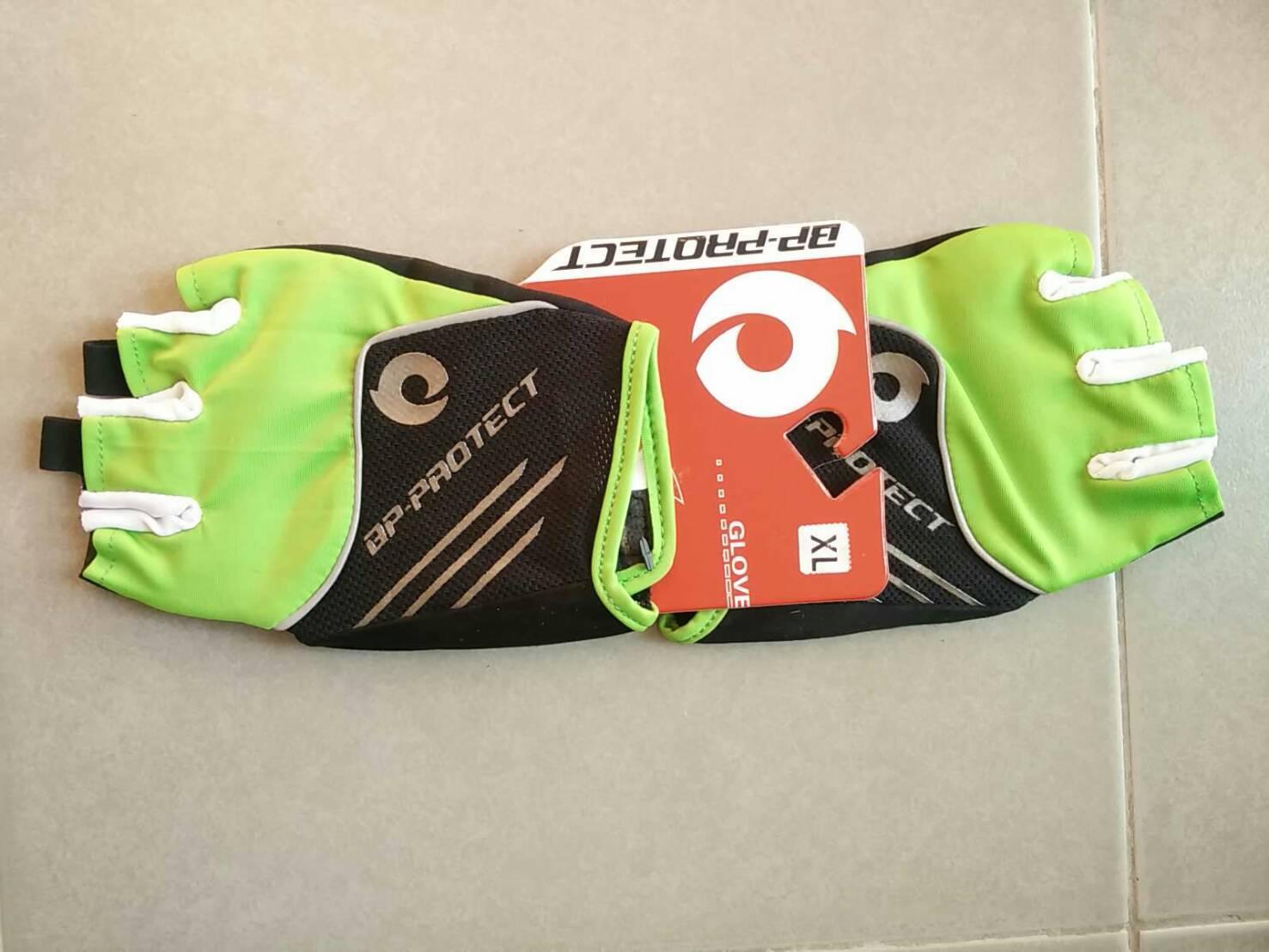 ถุงมือเจล bp-protect ขีดเงิน (แอดไลน์ @pinpinbike ใส่ @ ข้างหน้าด้วยนะคะ)
