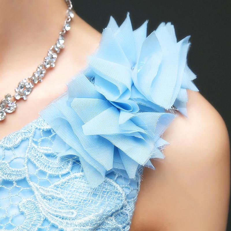 ชุดเดรสออกงานไปงานแต่งสีฟ้า