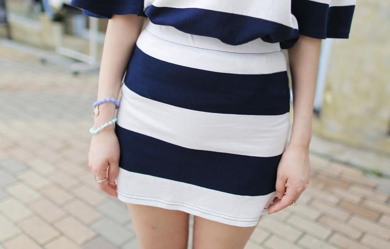 รับตัวแทนจำหน่ายชุดเดรสแฟชั่นเกาหลีลายทางสีน้ำเงินขาวน่ารักๆ
