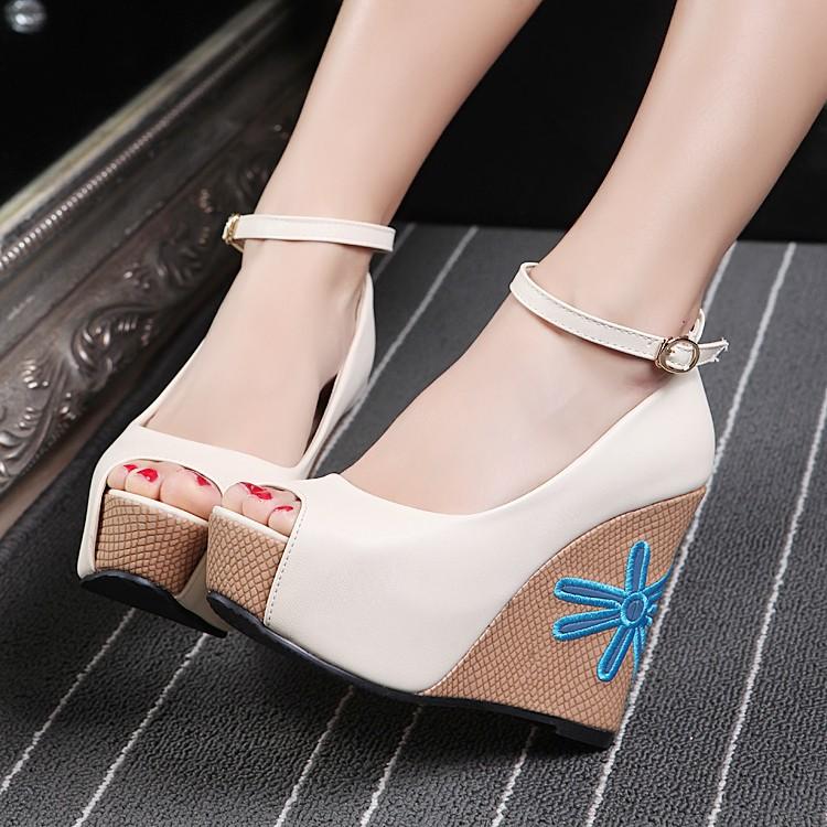 Preorder รองเท้าแฟชั่น สไตล์ เกาหลี 33-41 รหัส 9DA-9945