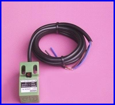 พร็อกซิมิตี้เซนเซอร์ ตรวจจับวัตถุโลหะ และอโลหะ 4mm Approach Sensor 10-30V DC Inductive Proximity Switch SN04-N, 3 wires NPN, NO
