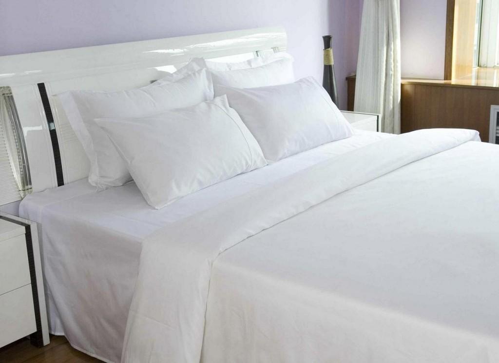ชุดผ้าปูที่นอนโรงแรมสีขาวเรียบ รัดมุม ขนาด 5 ฟุต (1ชิ้น)