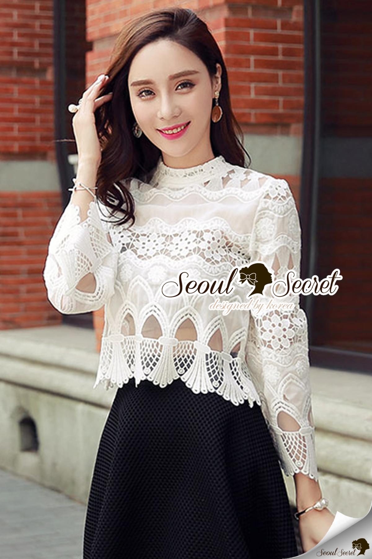 Seoul Secret Say's .... Princess Ivora Lace Blouse Material : สวยหวานสไตล์สาวผู้ดีด้วยทรงเสื้อแขนบาน ทรงสวยใส่แล้วดูไฮ เนื้อผ้าสวยดูดีด้วยเนื้อผ้าลูกไม้ปักและฉลุลายทั้งตัว ลายผสมผสานระหว่างความหวานของดอกไม้และลายสไตล์สาวรีโทรแบบผู้ดี สาวๆ แมตซ์กับกาง