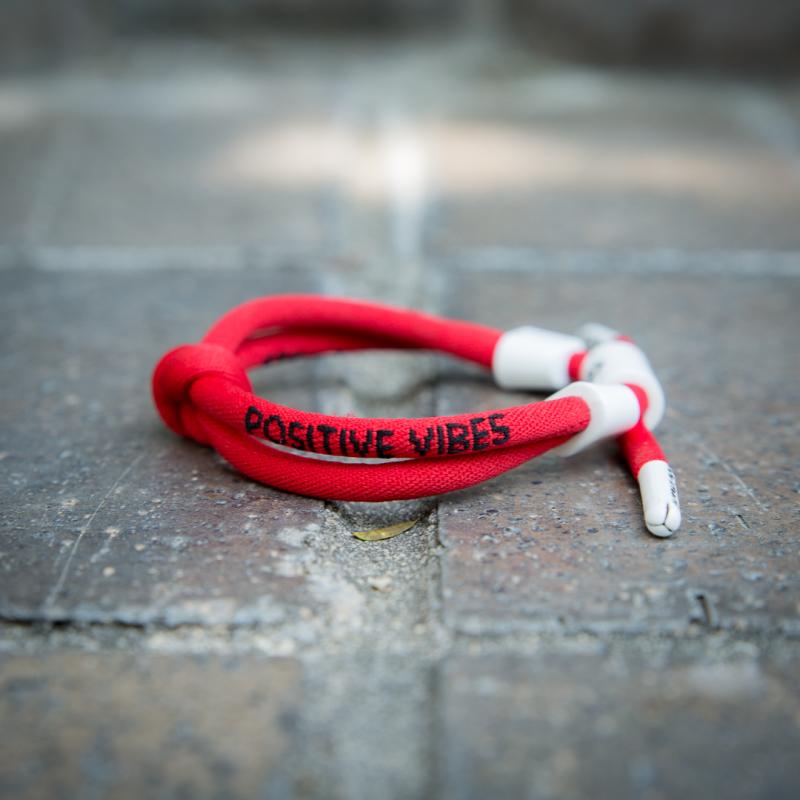 Rastaclat Knotaclat - Positive Vibes - Red - มุมด้านข้าง