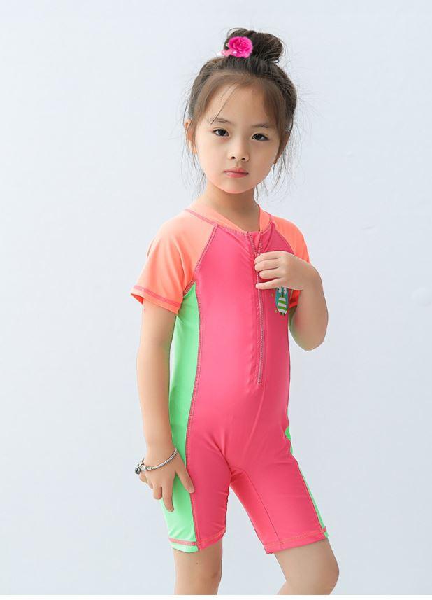 ชุดว่ายน้ำเด็กผู้หญิงหลากสี Bodysuitแขนสั้นขาสั้นซิปหน้า พร้อมหมวก