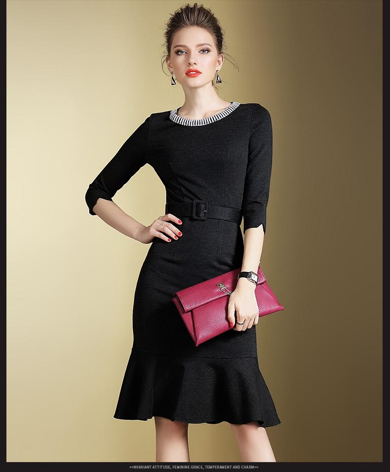 Preorder ชุดเดรสทำงาน เดรสแขนสามส่วน สีดำ แต่งเพชรตรงคอเสื้อดูสวยหรูหรา แต่งชายกระโปรงเป็นระบาย พร้อมเข็มขัด