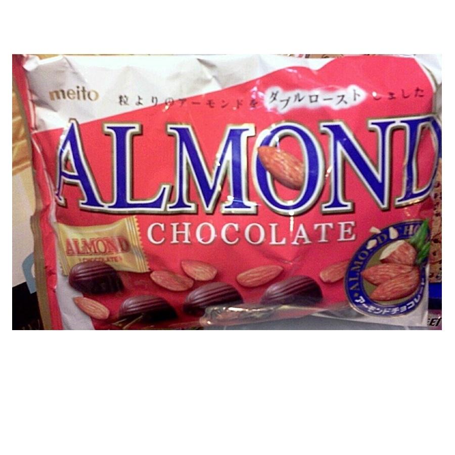 Meito ช็อคโกแลตสอดไส้อัลมอนด์ (Meito Almond Chocolate)