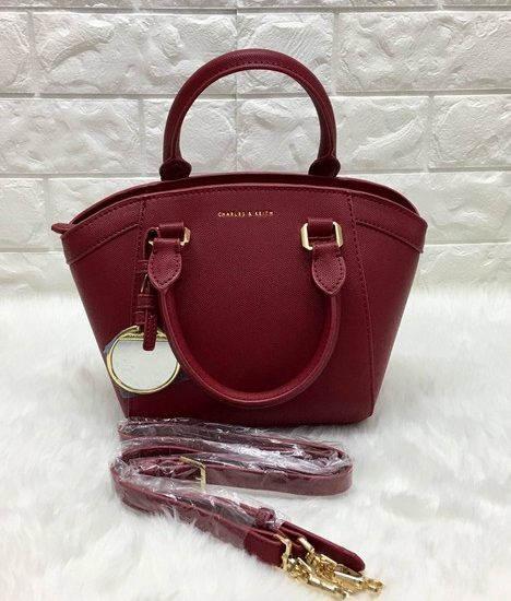 CHARLES & KEITH CURVED CITY BAG *แดง