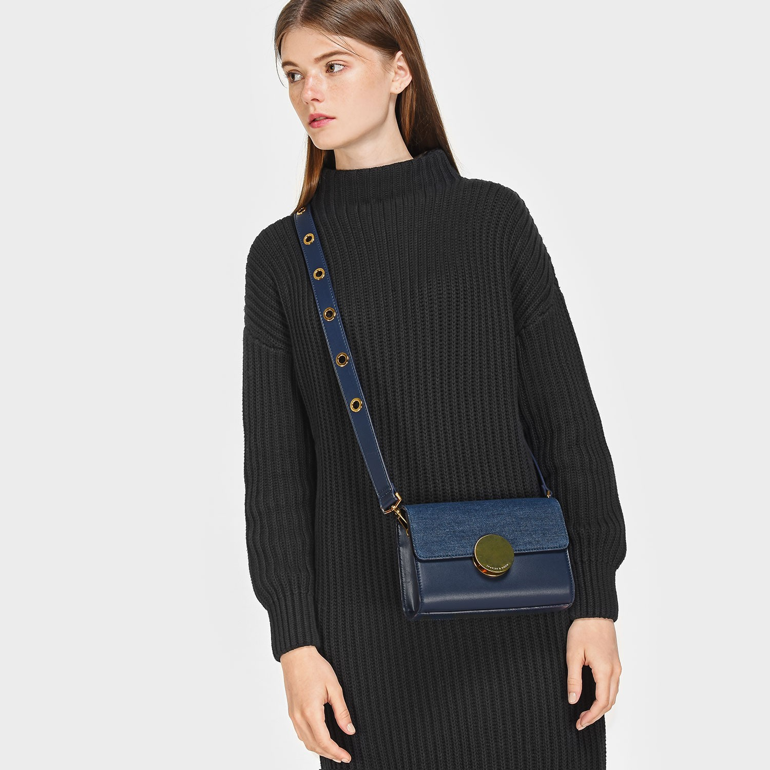 CHARLES AND KEITH CIRCULAR BUCKLE CROSSBODY BAG *น้ำเงิน