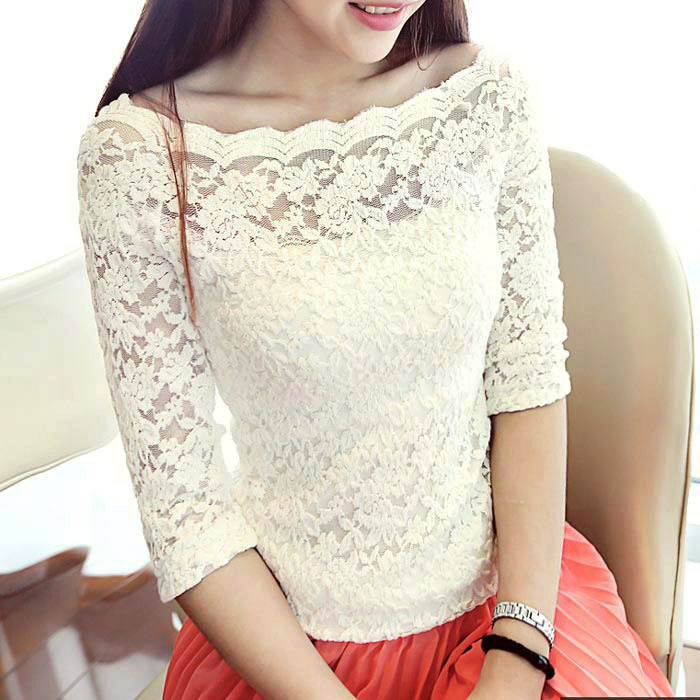 (Sale สินค้าไม่ผ่าน QC) เสื้อลูกไม้สวยๆ เสื้อลายลูกไม้คอปาด สีขาวนวลครีม เปิดไหล่เซ็กซี่ ใส่กับผ้าถุงผ้าซิ่นได้