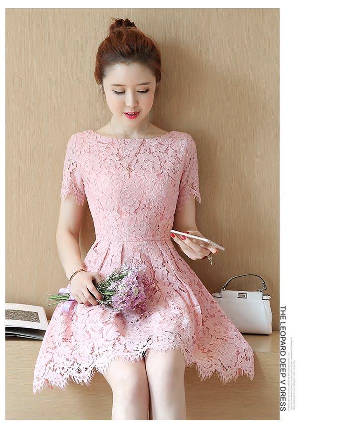 ชุดเดรสลูกไม้สีชมพู แขนสั้น ชุดผ้าลูกไม้สั้นสวยๆ น่ารักๆ แฟชั่นเกาหลี