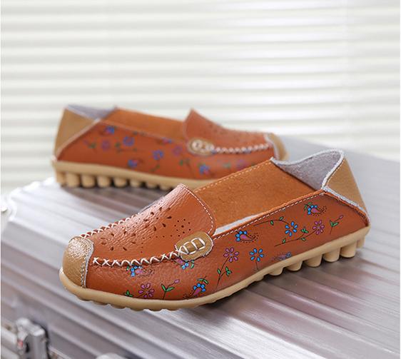 SK10 รองเท้าหนังนิ่ม (หนังวัว) ลายดอกไม้เล็ก Size 42