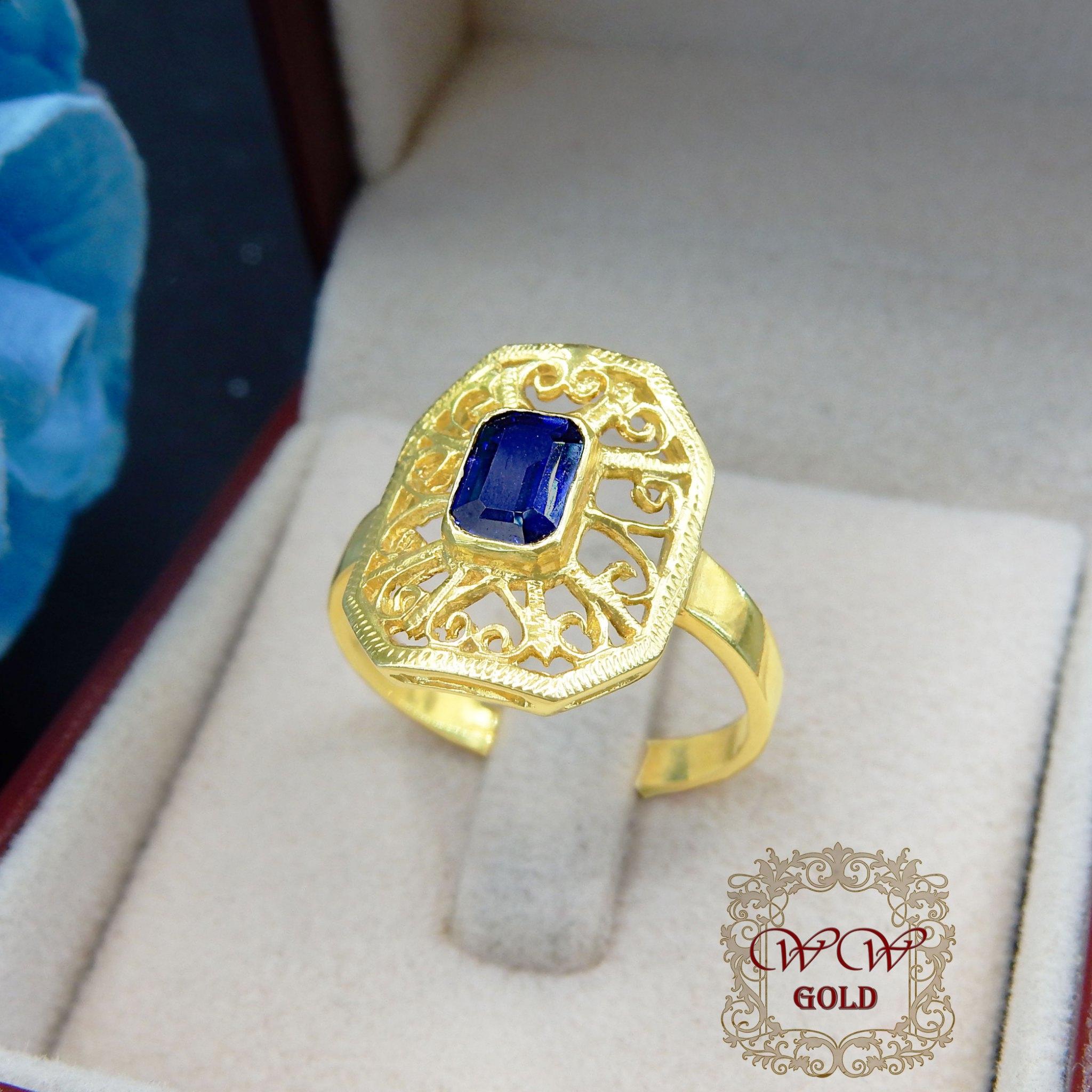 แหวนพลอยสีน้ำเงิน