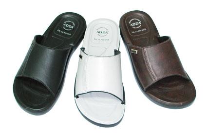 รองเท้าหนัง Adda 7Q04 ดำ-น้ำตาล 39-43