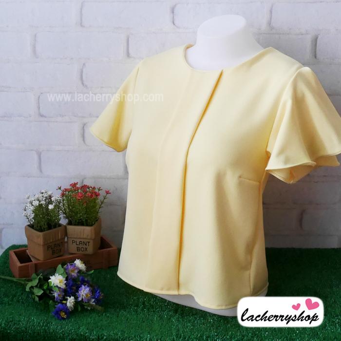 เสื้อผ้าแฟชั่น เสื้อทำงาน ผ้าฮานาโกะ สีเหลืองอ่อน แบบสวยเรียบหรู แต่งระบายแขนสวยพริ้ว แบบสวยเรียบร้อย เหมาะกับทุกโอกาส