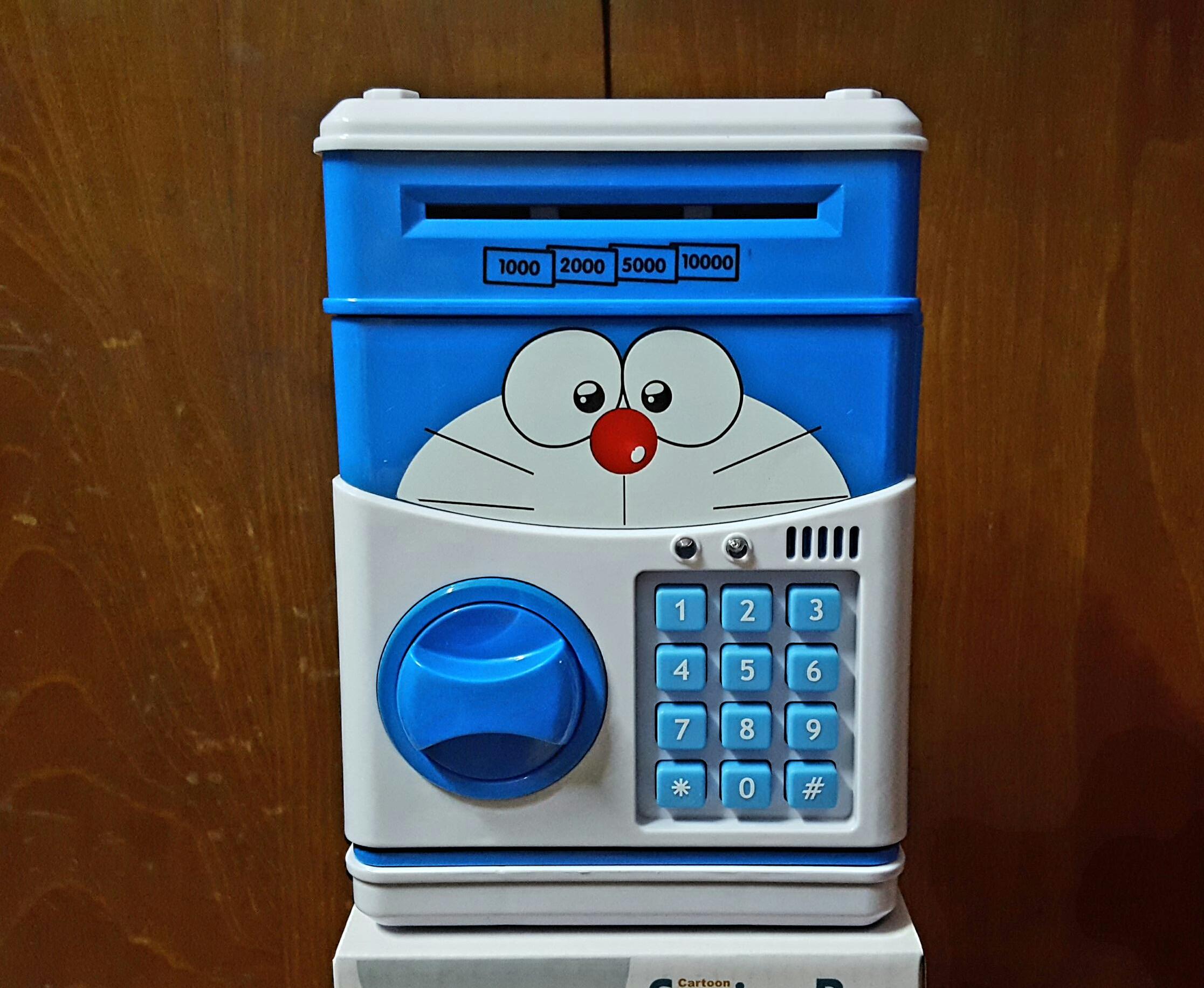 พร้อมส่ง :: ออมสินตู้เซฟดูดแบงค์ Doraemon