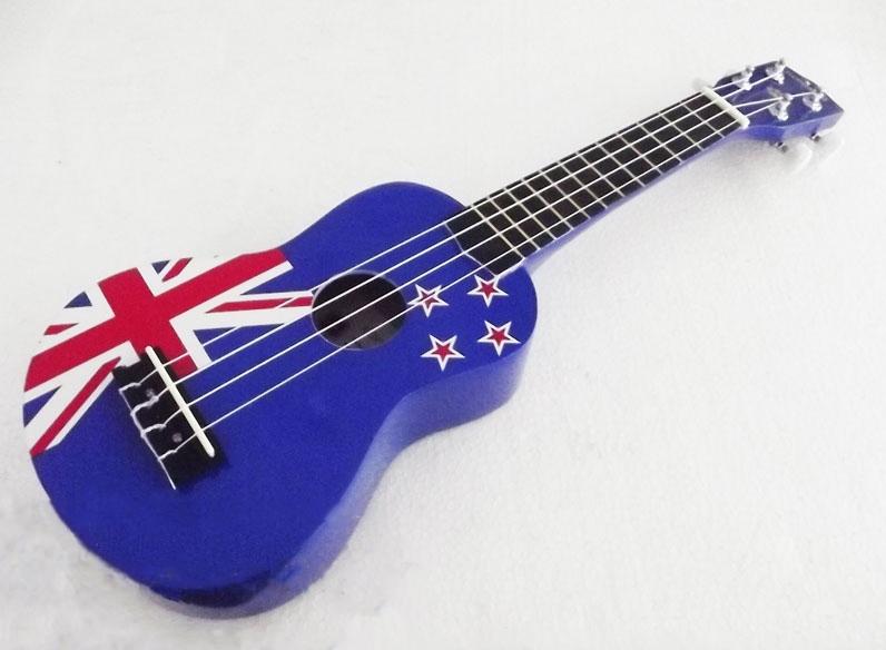 อูคูเลเล่ Ukulele Kokoma ลายธงชาติออสเตรเลีย Australia Flag สีน้ำเงิน ไม้ Linden สาย Aquila