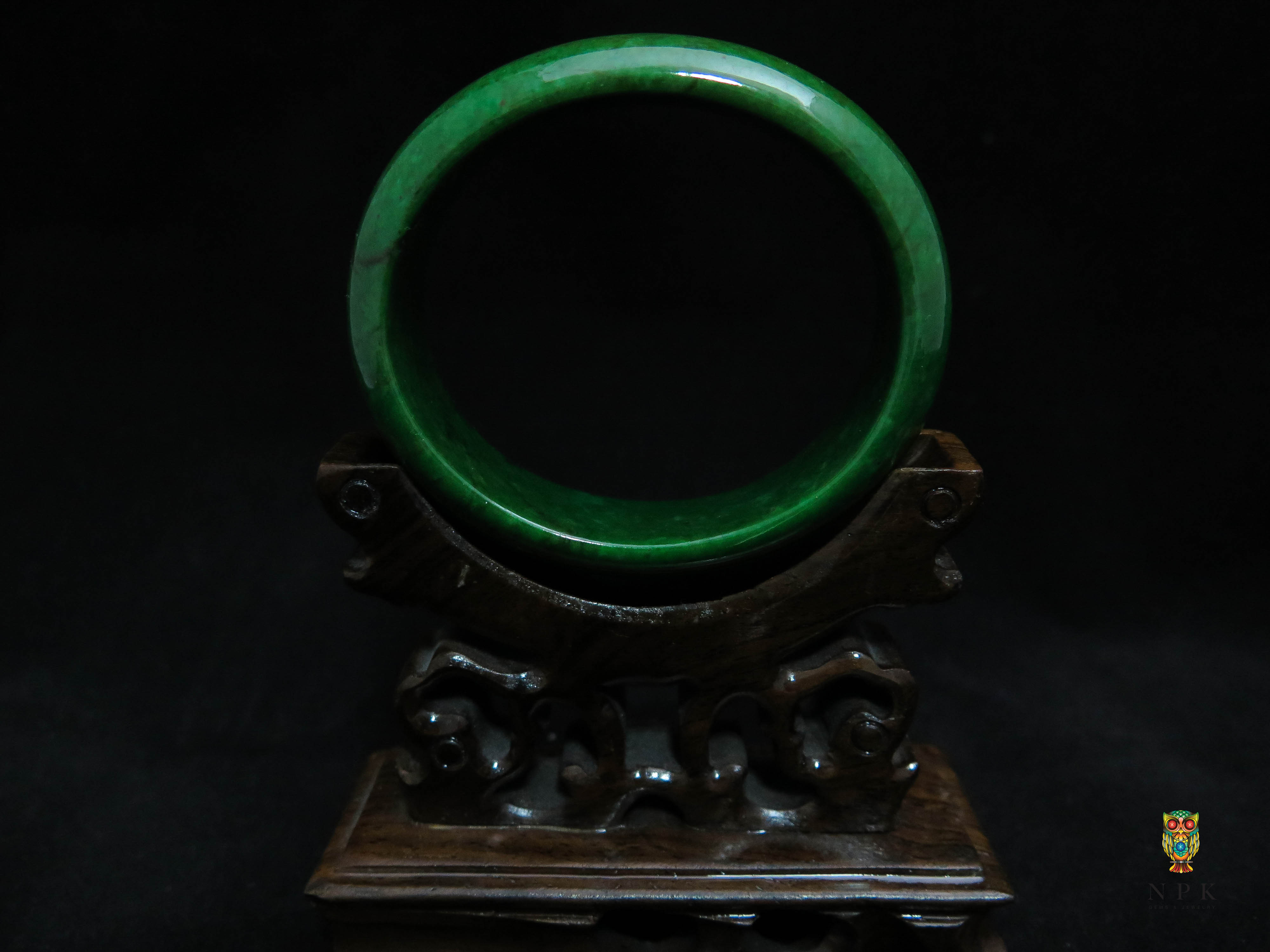 กำไลหยกพม่าเขียวเข้มจักรพรรดิ์ (Burma jade bangle)