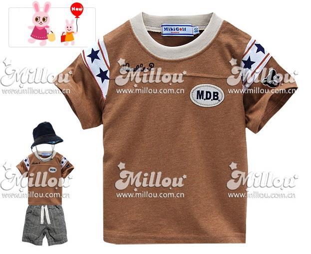M2217-B Miki Golf เสื้อยืดเด็ก สีน้ำตาล ด้านหน้า ปักแปะ Double.B แขนขวาปัก หมี miki house คาดลายดาวน้ำเงิน Size 90/110/120