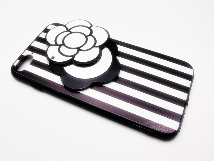 เคสดอกไม้ซ่อนกระจก ขาว-ดำ ไอโฟน (7 plus) 5.5 นิ้ว