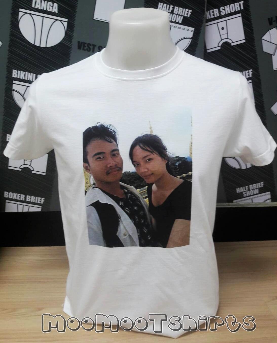 เสื้อยืดสีขาว พิมพ์รูปภาพ เราเป็นร้านรับสกรีนเสื้อด้วยระบบ DTG ราคาถูก งานดีมีคุณภาพ