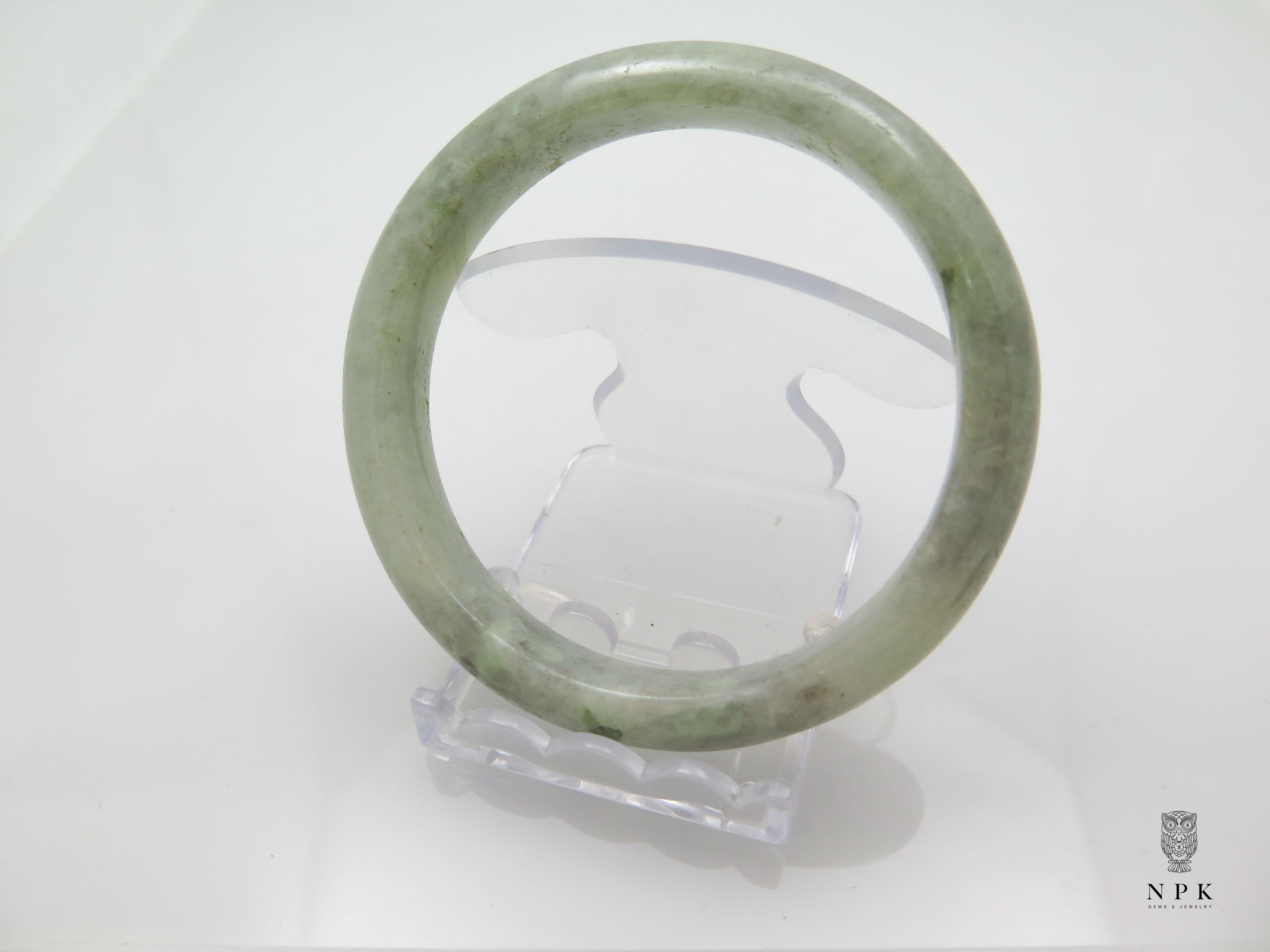กำไลหยก (Brama jade bangle)